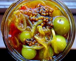 Пикули (маринованные овощи и фрукты), пасты и соусы